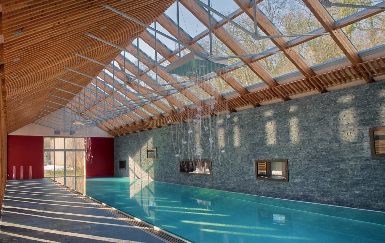 Bourgueil rouleau architectes piscine priv e for Piscine couverte
